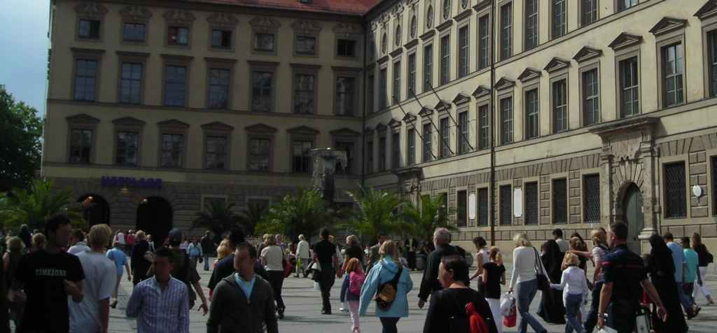 The Neuhauser and the Kaufinger Straße are the shopping hotspots in Munich